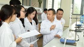 Sinh viên Trường Đại học Bách khoa Hà Nội  thường xuyên được thực tập ở các viện nghiên cứu  và thực hành