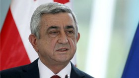 Serzh Sargsyan phát biểu tại Georgia năm 2015 khi giữ chức tổng thống Armenia. Ảnh: REUTERS