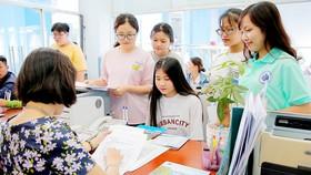 Thí sinh đăng ký nhập học tại Trường ĐH Công nghiệp thực phẩm TPHCM