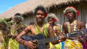 Những người dân sinh sống tại New Caledonia. Ảnh: AP