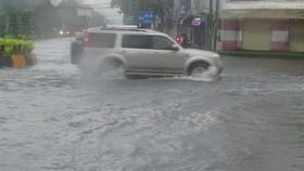 Tiếp tục mưa lớn trên diện rộng ở khu vực Trung bộ và miền Đông Nam bộ