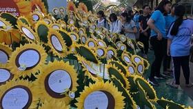 Lan tỏa yêu thương trong ngày hội Hoa hướng dương. Nguồn VOH