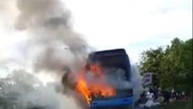 Hiện trường vụ cháy xe khách ở Hà Tĩnh