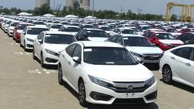 Cuối năm ô tô nhập khẩu tăng mạnh