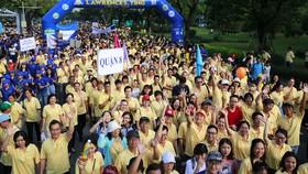 Đông đảo người tham gia chương trinh Đi bộ từ thiện Lawrence S. Ting lần thứ 14