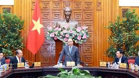 Thủ tướng Nguyễn Xuân Phúc phát biểu tại phiên họp của Thường trực Chính phủ. Ảnh: VIẾT CHUNG