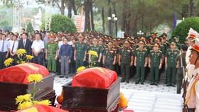 Lễ truy điệu và án táng 18 hài cốt liệt sĩ  hy sinh trên đất bạn Lào tại Nghĩa trang Liệt sĩ TP Huế