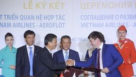 Lễ ký kết thỏa thuận phát triển quan hệ hợp tác giữa Tổng công ty Hàng không Việt Nam (Vietnam Airlines) và Hãng hàng không quốc gia Nga (Aeroflot). Nguồn: BAOTINTUC.VN