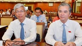 Ông Võ Văn Hoan (trái) và ông Ngô Minh Châu vừa được phân công nhiệm vụ cụ thể. Ảnh: VIỆT DŨNG