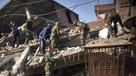 Động đất ở Ấn Độ, lũ lớn ở Myanmar