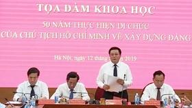 Đồng chí Nguyễn Xuân Thắng - Bí thư Trung ương Đảng, Giám đốc Học viện Chính trị Quốc gia Hồ Chí Minh  phát biểu đề dẫn tọa đàm