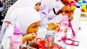 Một bữa ăn sáng miễn phí trong trường học