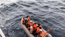 Cứu 46 ngư dân gặp nạn ở Trường Sa