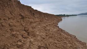 Cấp bách gia cố bờ sông Đồng Nai phía thượng nguồn