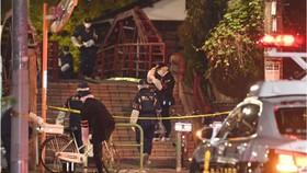 Cảnh sát phong tỏa hiện trường vụ tấn công. Nguồn: Kyodo
