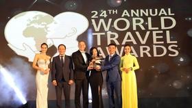 Mr. Ty Collins - TGĐ điều hành JW Marriott Phu Quoc Emerald Bay_Nhận giải World's Leading New Resort