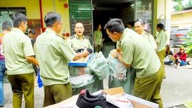 Lô hàng giả mạo, hàng nhái thương hiệu bị QLTT TPHCM phát hiện, tạm giữ