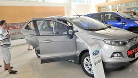 Trái chiều thị trường ô tô cận tết