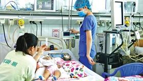 Tết buồn ở hành lang bệnh viện