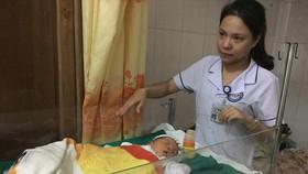 Hai trẻ sơ sinh ở Hà Tĩnh bị bỏ rơi