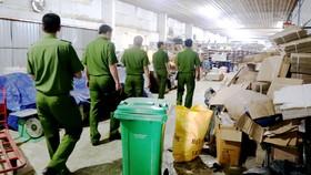 Đoàn công tác Công an TPHCM phúc tra thực tế về an toàn PCCC tại một doanh nghiệp ở quận Tân Phú