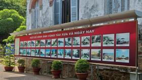 Bảng biển giới thiệu lễ hội và danh thắng che chắn hết  tầng hầm Bạch Dinh