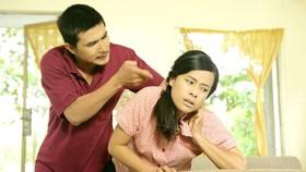 Bạo hành gia đình từ đời lên phim