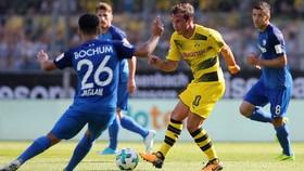 Mario Goetze (giữa), cầu thủ duy nhất thể hiện được tính sáng tạo trong đội hình của Dortmund .
