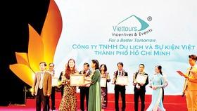 Viettours nhận  Giải thưởng Du lịch  Việt Nam 2017