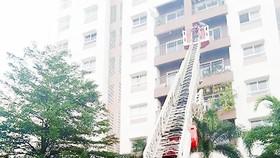 Cảnh sát PCCC TPHCM thực tập phương án cứu nạn tại chung cư Ehome 3, quận Bình Tân