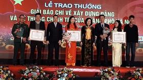 Hà Nội lần đầu tiên trao giải báo chí về xây dựng Đảng