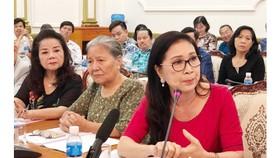 Nghệ sĩ Kim Xuân trăn trở về những khó khăn mà kịch nói TPHCM đang gánh suốt nhiều năm nay. Ảnh: VOV