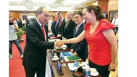 Lãnh đạo TPHCM gặp gỡ doanh nghiệp FDI:  Cam kết môi trường đầu tư minh bạch, thuận lợi