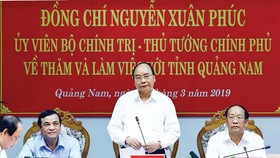Thủ tướng Nguyễn Xuân Phúc làm việc với cán bộ chủ chốt tỉnh Quảng Nam   Ảnh: TTXVN