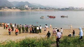 Tắm sông, 6 học sinh chết đuối