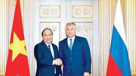 Sáng 23-5 (theo giờ địa phương), tại Thủ đô Moscow, Thủ tướng Nguyễn Xuân Phúc  hội kiến Chủ tịch Duma Quốc gia (Hạ viện Nga) Vyacheslav V. Volodin     Ảnh: TTXVN