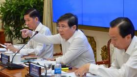 Chủ tịch UBND TPHCM Nguyễn Thành Phong phát biểu chỉ đạo tại Kỳ họp Kinh tế-xã hội TPHCM, 4-6-2019. Ảnh: VIỆT DŨNG