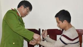 Đối tượng Nguyễn Chí Linh bị Công an Thanh Hóa bắt giữ