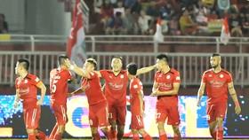 Niềm vui của các cầu thủ TP Hồ Chí Minh trong trận đấu với Hoàng Anh Gia Lai. Ảnh: NGUYỄN NHÂN