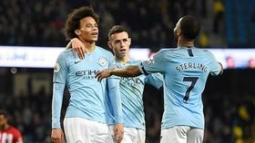 Manchester City trở lại ngôi đầu bảng