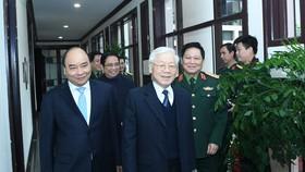 Tổng Bí thư, Chủ tịch nước Nguyễn Phú Trọng; Thủ tướng Chính phủ Nguyễn Xuân Phúc cùng các đại biểu dự hội nghị. Ảnh VGP