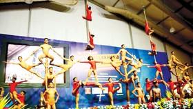 """Giải vô địch thế giới """"Yoga trên cột"""" đầu tiên"""