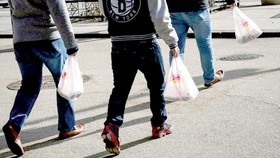 New York cấm túi nhựa dùng một lần