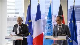 Ngoại trưởng Pháp Jean-Yves Le Drian và người đồng cấp Đức Heiko Maas (phải) tại cuộc họp báo ở New York, Mỹ, ngày 2-4. Ảnh: TTXVN