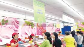 Người tiêu dùng chú trọng sử dụng thịt heo sạch. Ảnh: MINH THANH