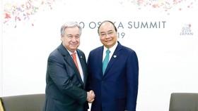 Thủ tướng Nguyễn Xuân Phúc gặp Tổng Thư ký Liên hiệp quốc Antonio Guterres. Ảnh: TTXVN