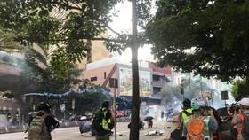 Cảnh sát Hồng Công bắt 420 người gây rối