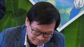 Nhà văn Nguyễn Nhật Ánh ký tặng sách mới