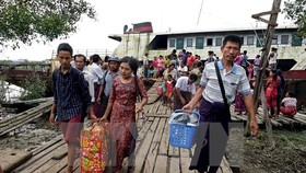 Evacuation in Myanmar (Source: EPA/VNA)