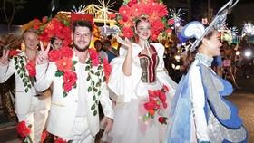 Carnival show 2018 lights up Danang